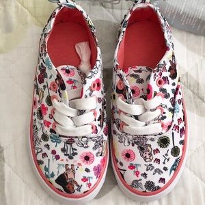 Disney animation baby girl NEW w/tag size 11 shoes